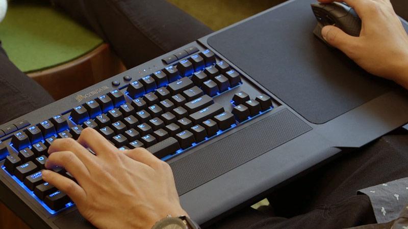 Exemple de clavier sans fil pour les gamers